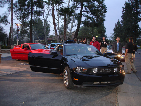mustang-gt-party