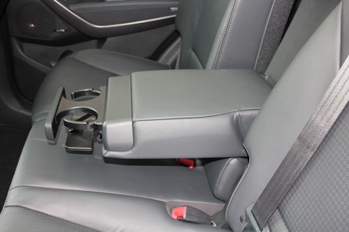 santa-fe-rear-seat